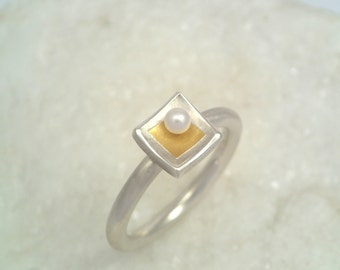 Minimal square ring made of gold fused on silver with a pearl, Gift for her, Silver and gold ring, Small pearl ring, Handcrafted ring.