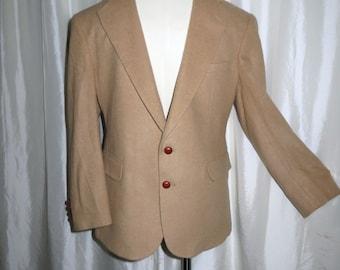 Vintage mens jacket, blazer, sport coat,, sports jacket Evan Picone camel wool, leather buttons size 42 short
