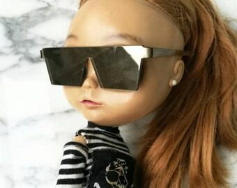 SALE40% W IVORY  GLASSES-for blythe doll