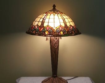 Stained Glass Lamp - Table Lamp - Geometric Motif
