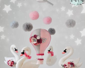 Personalized felt baby mobile, mobile with hot air balloon, swans and tulle pom pom, felt swan, balloon mobile, felt flowers, nursery decor