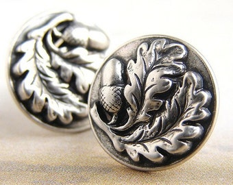 Acorn Oak leaf stud earrings, acorn studs post earrings, antique silver metal acorn studs posts earrings
