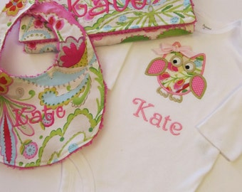 Personalized Owl Baby Set-  Bib and  Burp Cloth Set- Personalized Gift Set- Baby Shower Set- Owl Bodysuit Set