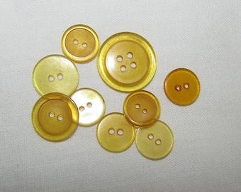 Vintage Mellow Amber Bakelite Applejuice Sew-Through Buttons