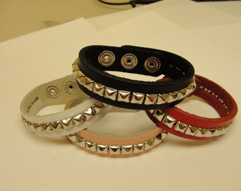 "3/4"" - 19 mm Wide Genuine Leather studded Wristband with single rows 1/4"" pyramid studs bracelet Rock Black Red Pink White"