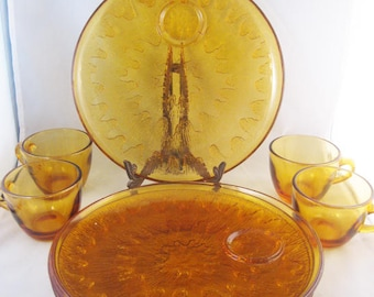 Indiana Amber Sunburst Snack Plates & Cups 4 Sets