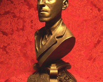 H.P. Lovecraft 12 inch Bust!!!