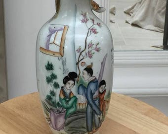 Antique Chinese hand painted vase