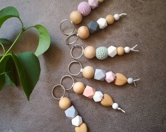 Key ring made of wood & silicone Beads < 3 on request with heart-handmade-