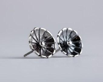 Wildflower Stud Earrings - Silver Flower Post Earrings in Sterling Silver - Simple Boho Bohemian Earrings - Nature Jewelry - Gift for Her