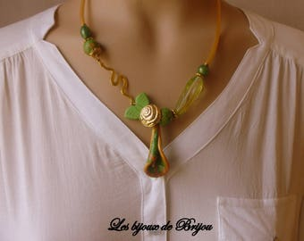 Gold green - collar short chic pendant in polymer clay, glass and metal gold