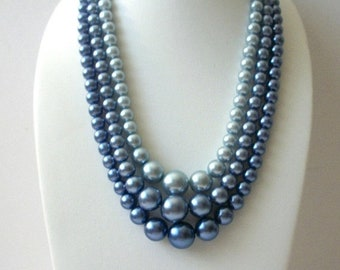 ON SALE 1940s Lady Sings The Blues Gray Blue Metallic Faux Pearl Triple Strand Necklace 52018