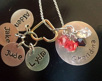 Grandma Necklace (4 names)