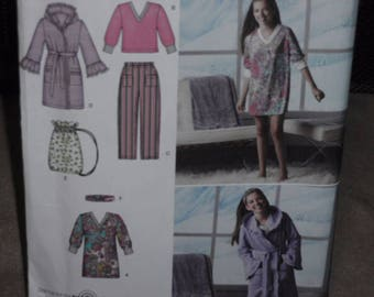 Simplicity 2749 Girls Plus Size Pants, Robe, Headband Bag and Top  Size 8-16 or 8 1/2-16 1/2   New - Uncut