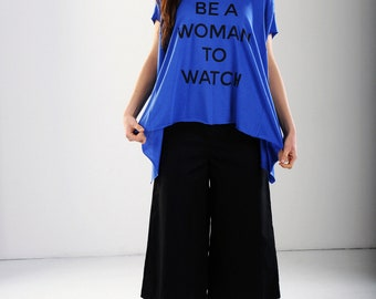 Loose fit Top with print, very large woman's T-shirt, voluminous, asymmetrical live cut at the base