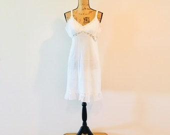 "Vintage 1940s White Ruffled Hem Slip Lingerie / Size Medium 40"" inch Bust ""Aristocrat Union Made"" Lace Nightgown Slip"