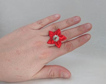 Adjustable flower ring: bright red satin fabric