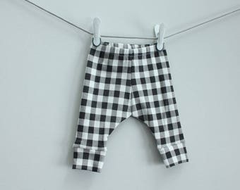 Baby leggings black buffalo plaid check 0-3 months Organic PETUNIAS modern newborn baby shower gift photo prop hospital outfit accessory