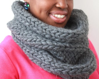 Grey snood, Chunky Scarf, Alpaca cowl, Knit Cowl, Winter scarf, Hand knitted scarf, Grey scarf, Wool scarf, Tube scarf, Infinity scarf