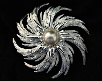 Vintage Sara Coventry Silver and Pearl Brooch
