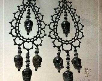 skull earrings, bone skull earrings, memento mori earrings, skull chandelier earrings, skull woodoo earrings