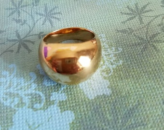 Goldtone bubble ring size 6.