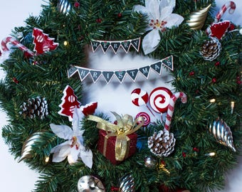 Light Up Outdoor Christmas Wreath | Fun Playful Candy Canes Lollipops | Front Door | Traditional | Jingle Bells