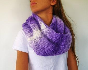Cuello de punto lila hecho a mano. Bufanda reversible lila. Bufandas tejidas para mujer. Ideas para regalar para ella // Accesorios de moda