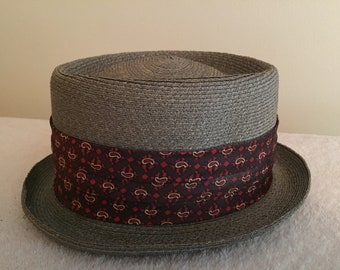 Richelieu Straw Fedora Hat, Red/Maroon Paisley Accent Band