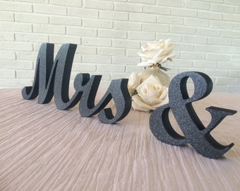 Wooden wedding sign- Mr and Mrs signs for sweetheart table