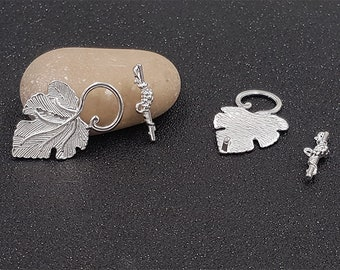 10 clasps Toggles clasps T light silver grape leaf