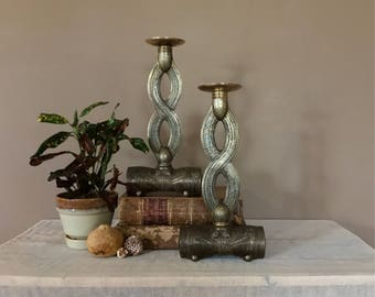 Pair of Vintage Brass Candlesticks / Brass Candle Sticks / Brass Candle Holders / Wedding Candlesticks / Brass Candleholders