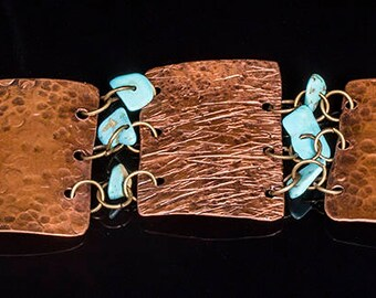 Hammered copper and turquoise chip bracelet
