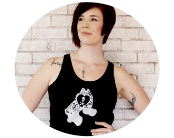 Roller Derby Tank Top, Quad Speed Skate Graphic, Black Sleeveless Shirt, Cotton Clothing, Skull and Crossbones, Roller Skater Gift Clothes