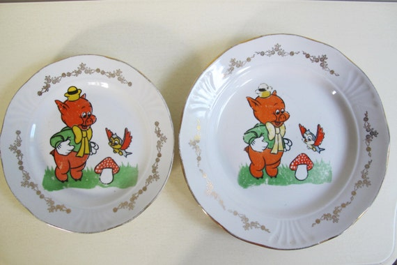 & Soviet Disney Plates. Vintage 3 Little Pigs Plates Set of 2
