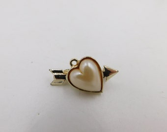 Vintage Jelly Belly Cupid Arrow and Heart Costume Jewelry Pin or Brooch  DR32