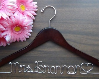 Personalized Bridal Hanger, Custom Made Keepsake Hangers, Bridal Shower Gift idea,Wire Wedding Hangers with Names, Wedding Photo Props