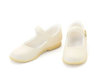 Ivory Mary Jane Flats shoes for Ruruko / Momoko dolls  (by Petworks)