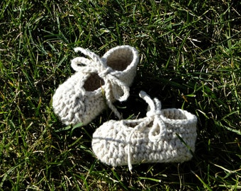 Baby Booties, baby shoes, ankle-tie shoes, crochet booties, crochet shoes