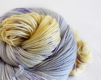 Shy Violets - Gosling - 80/10/10 superwash merino/ cashmere/ nylon sock yarn