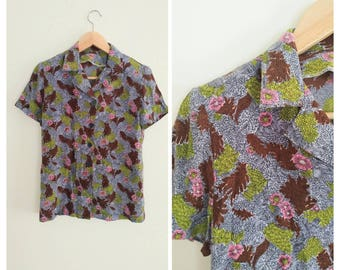 Vintage 1940s 40s SILK Novelty Floral Print Button Up Short Sleeve Blouse Shirt Top