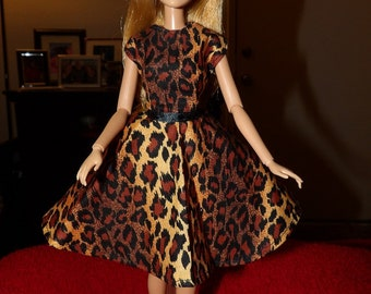 Leopard animal print dress with a circular skirt for Fashion Dolls - ed1071