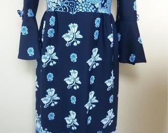 1970s Navy long flowing floral vintage dress. Size 12 UK