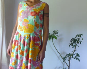 Vintage 80s Summer Bright Floral Cotton Midi Tea Dress, I wanna lie on a bed of clouds to be near the sun.