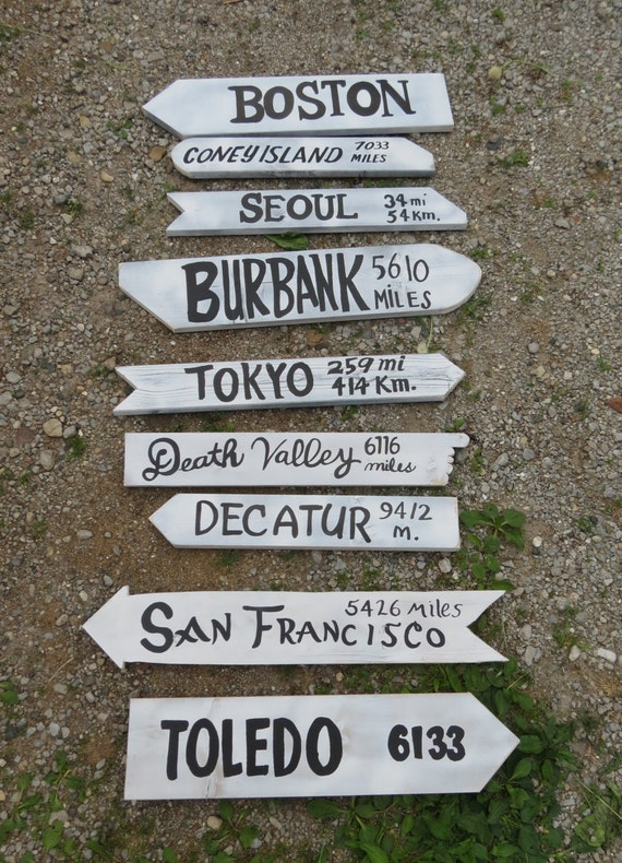 set of 9 arrow location signs directional mash signpost hand. Black Bedroom Furniture Sets. Home Design Ideas