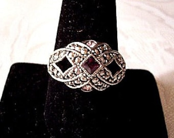Avon Purple Pink Marcasite Size 10 Ring Silver Tone Vintage Open Woven Raised Nail Heads Triangle Round Stones