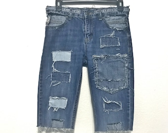 Stylish Distressed, Dark to Light denim Pencil shorts (XTRA SMALL)