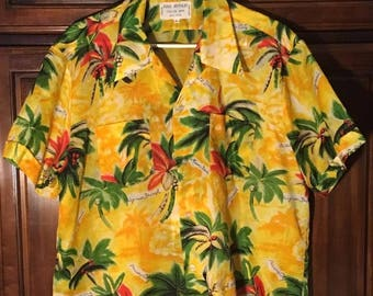 Vintage 1960s - 1970s Tropical King Arthur Hawaiian Aloha Vacation Wear Shirt - XL