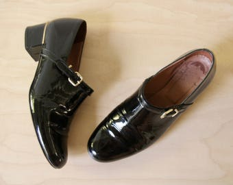 Black patent shoes. Black leather buckle shoes. Black French womens oxfords. Robert Clergerie designer. Patent leather loafers. US 6 EU36