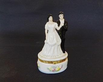 Vintage Figurine, Vintage Trinket Box, Bride and Groom FIgurine, Bridal Decor, Wedding Decor, Wedding Figurine, Wedding Cake Topper